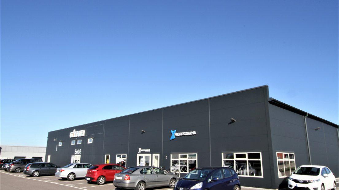 Försäljning av nyproducerad och fullt uthyrd handels/lagerfastighet i Trelleborg